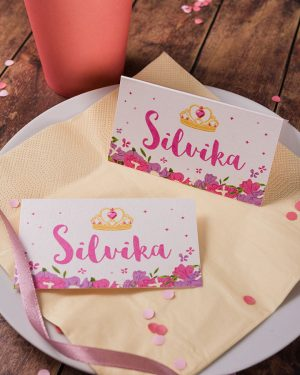 Menovky na stôl a pozvánky s motívom pre princezné
