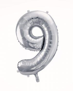 Balón číslo 9 strieborný
