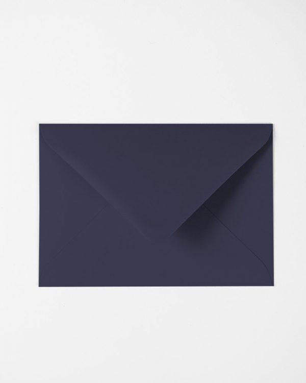 Tmavo modré obálky